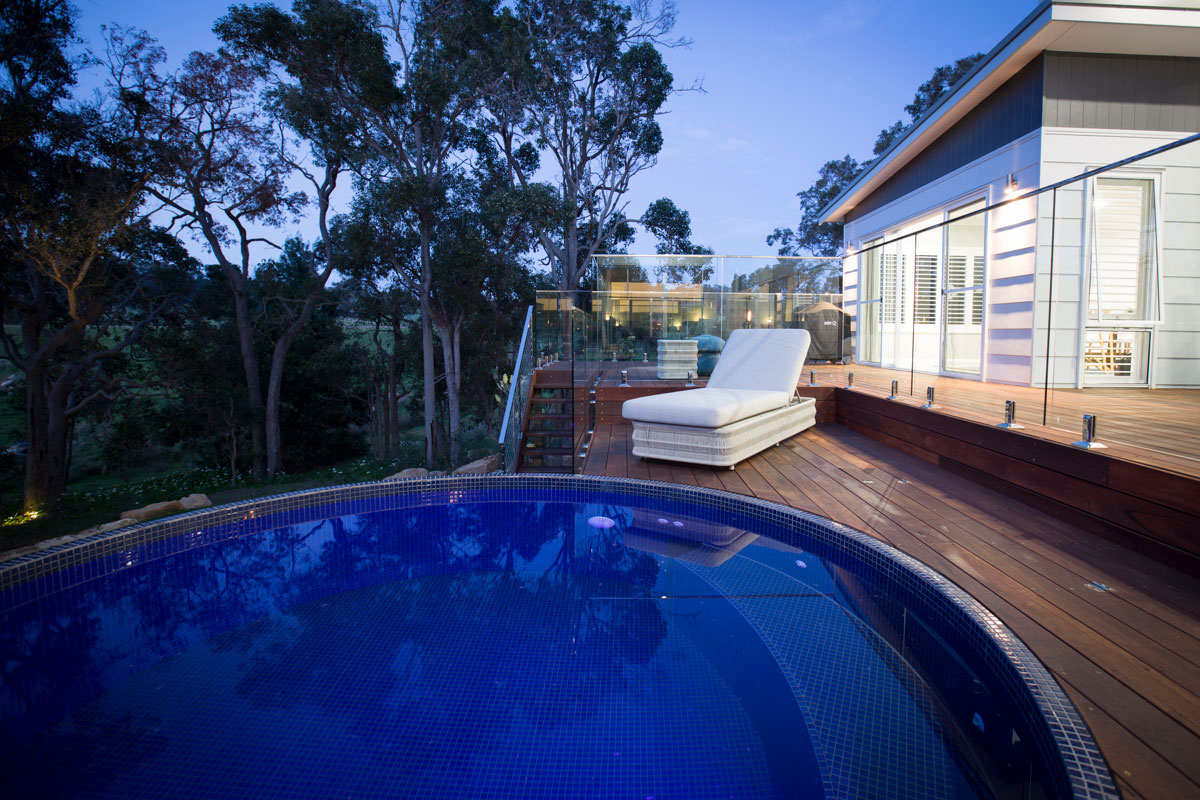 Circular plunge pool above ground pool